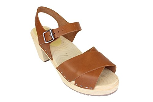 Lotta From Stockholm Cross Over Clogs in Tan EUR 41