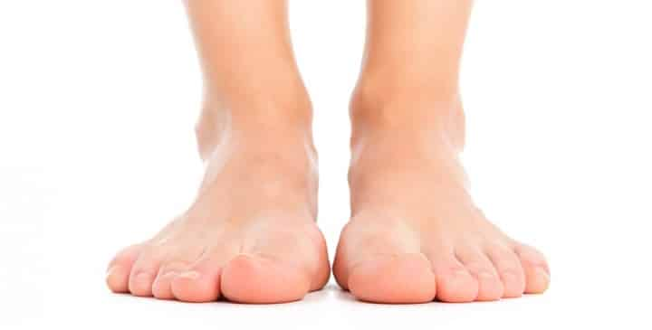 Best Shoes for Wide Flat Feet 2020