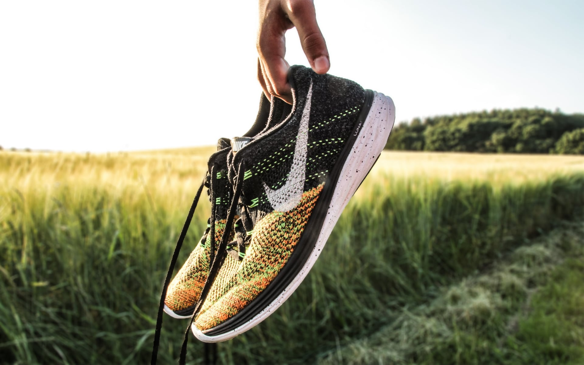10 Best Nike Running Shoes for Flat